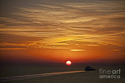 Photograph - Barcelona Sunset by Shirley Mangini