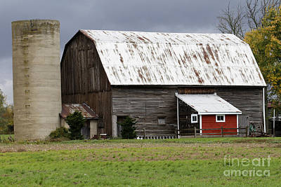 Photograph - Barn by Kathy DesJardins
