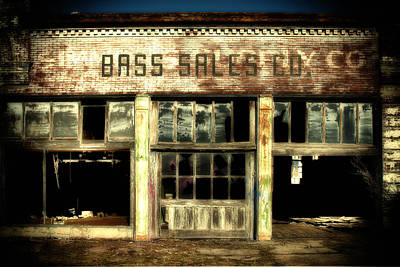 Photograph - Bass Sales Co Cairo Il Img 2962 by Greg Kluempers
