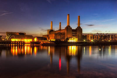 Pink Floyd Photograph - Battersea Twighlight by Ian Hufton