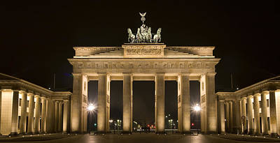 Photograph - Berlin Brandenburg Gate by Frank Tschakert