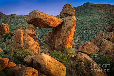 Big Bend Window Rock Print by Inge Johnsson