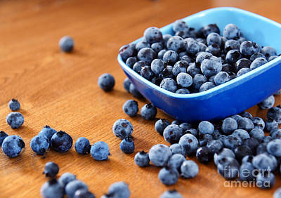 Wooden Platter Photograph - Blueberries On Table by Sylvie Bouchard