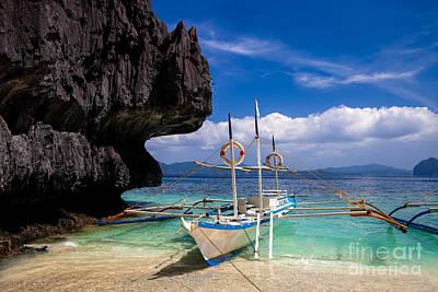 Boat On Tropical Beach Art Print