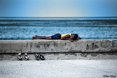 Photograph - Boy On The Malecon by Patrick Boening