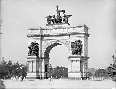 Grand Army Plaza Photograph - Brooklyn Grand Army Plaza by Granger