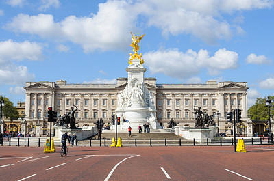 Buckingham Palace In London Art Print