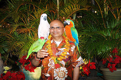 Can't Get Brighter Than This  Artist Navinjoshi In Hawaii Travel Vacations With Trained Parrots By P Art Print