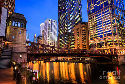 Clark Street Photograph - Chicago At Night At Clark Street Bridge by Paul Velgos