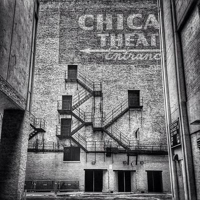 White Photograph - Chicago Theatre Alley Entrance Photo by Paul Velgos