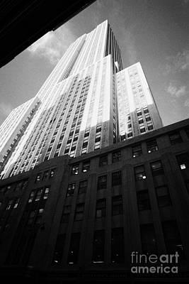 Close In Shot Of The Empire State Building New York City Art Print