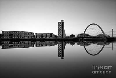 Mean Photograph - Clyde Arc by John Farnan