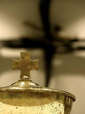 Photograph - Communion Cross 0827 2 by Jerry Sodorff