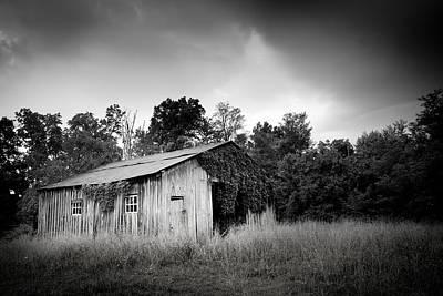 Virginia Photograph - Country Barn by Shane Holsclaw