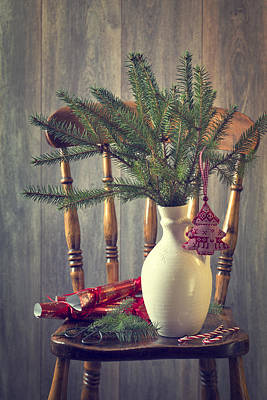 Photograph - Decorating For Christmas by Amanda Elwell