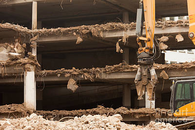 Target Threshold Nature - Destruction of concrete building with equipment by Stephan Pietzko