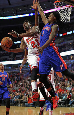 Chicago Photograph - Detroit Pistons V Chicago Bulls by Jonathan Daniel