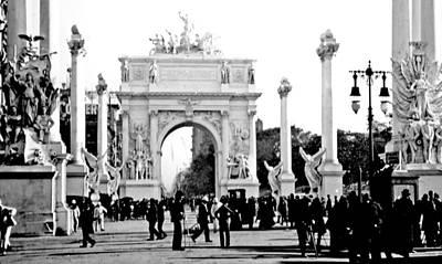 George Dewey Monument Photograph - Dewey's Arch New York 1900 Vintage Photograph by A Gurmankin