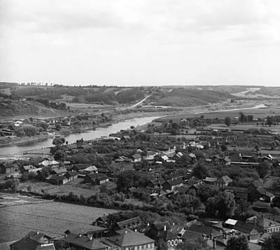 Dnieper Wall Art - Photograph - Dnieper River, 1912 by Granger
