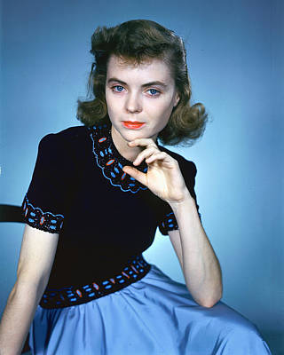 Dorothy Photograph - Dorothy Mcguire by Silver Screen