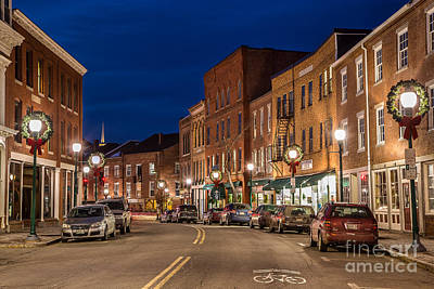 Christmas Holiday Scenery Photograph - Downtown Gardiner At Night by Benjamin Williamson