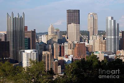 Downtown Skyline Of Pittsburgh Pennsylvania Print by Bill Cobb