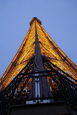 Eiffel Tower - Paris France - 01135 Art Print