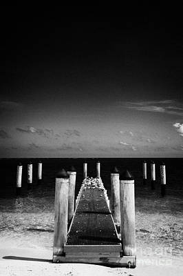 Empty Boat Pier With Seabirds Dry Tortugas Florida Keys Usa Art Print