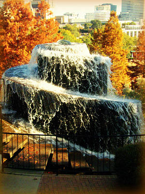 Photograph - Finlay Park Fountain 2 by Lisa Wooten