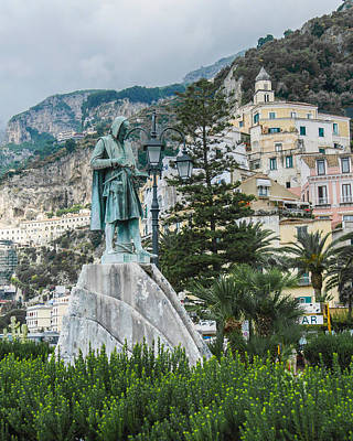 Photograph - Flavio Gioia Statue In Amalfi Italy by Alan Toepfer