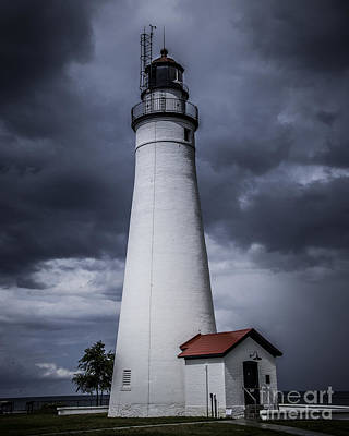 Photograph - Fort Gratiot Lighthouse by Ronald Grogan