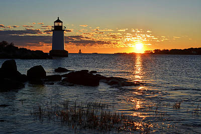 Photograph - Fort Pickering Lighthouse Winter Island Salem Ma Sunrise by Toby McGuire