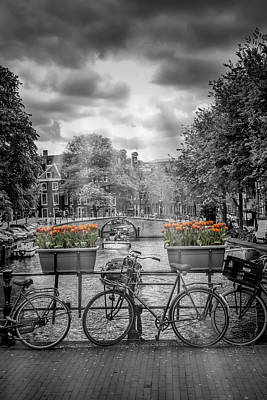 Historic House Photograph - Gentlemens Canal Amsterdam by Melanie Viola