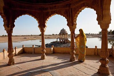 Ghat On Lake Gadisar, Jaisalmer Print by Peter Adams