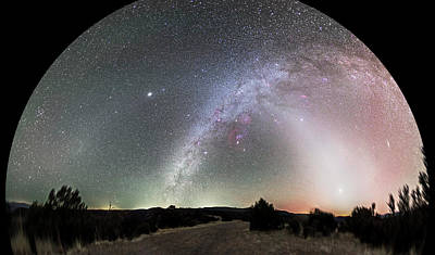 180 Wall Art - Photograph - Ghostly Glows Of A Truly Dark Sky by Alan Dyer