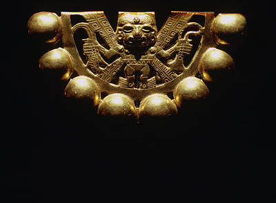 Peru Photograph - Gold Ornament From Lord Of Sipan's Tomb by Pasquale Sorrentino/science Photo Library