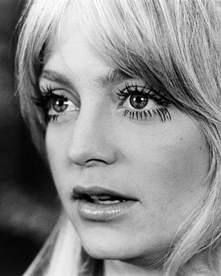 Goldie Photograph - Goldie Hawn In Shampoo  by Silver Screen
