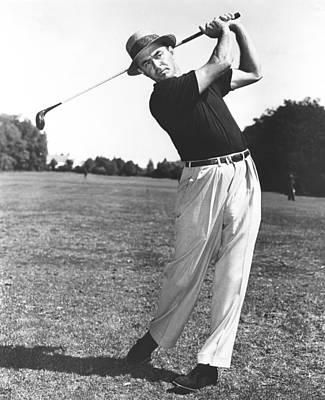 Mid Adult Photograph - Golfer Sam Snead by Underwood Archives