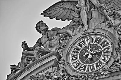 Photograph - Grand Central Terminal Tiffany Clock by Susan Candelario