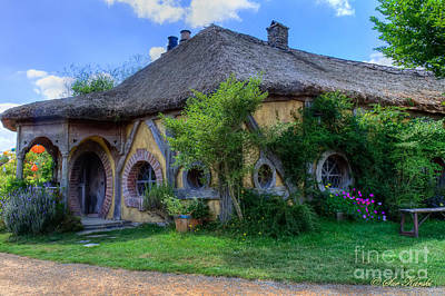Photograph - Green Dragon Inn by Sue Karski