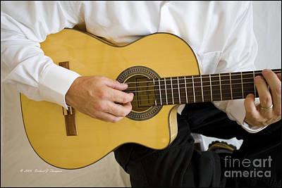 Photograph - Guitarist by Richard J Thompson