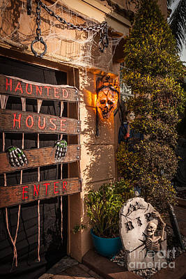 Haunted House Photograph - Halloween by Juan Silva