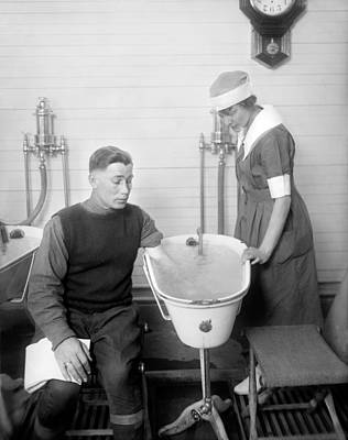 Hot Nurses Photograph - Hospital Hydrotherapy, 1920s by Science Photo Library