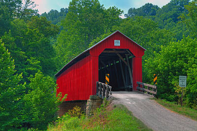 Photograph - Hune Covered Bridge by Jack R Perry