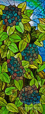 Youghiogheney Glass Glass Art - Hydrangea by David Kennedy