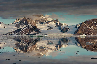 Icebergs And Mountains, Hornsund Fiord Art Print by Howie Garber