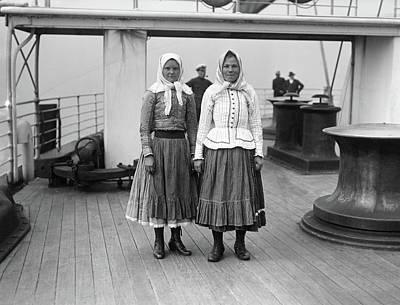 Babushka Photograph - Immigrants On Ship, C1900 by Granger