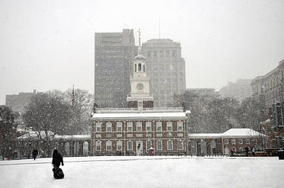 Photograph - Independence Hall by Andrew Dinh