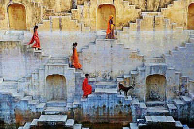 Traditional Clothing Photograph - India, Rajasthan, Jaipur, Water Tank by Tuul & Bruno Morandi