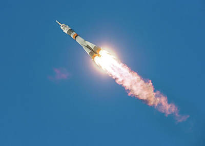 Iss Expedition 46 Launching Art Print